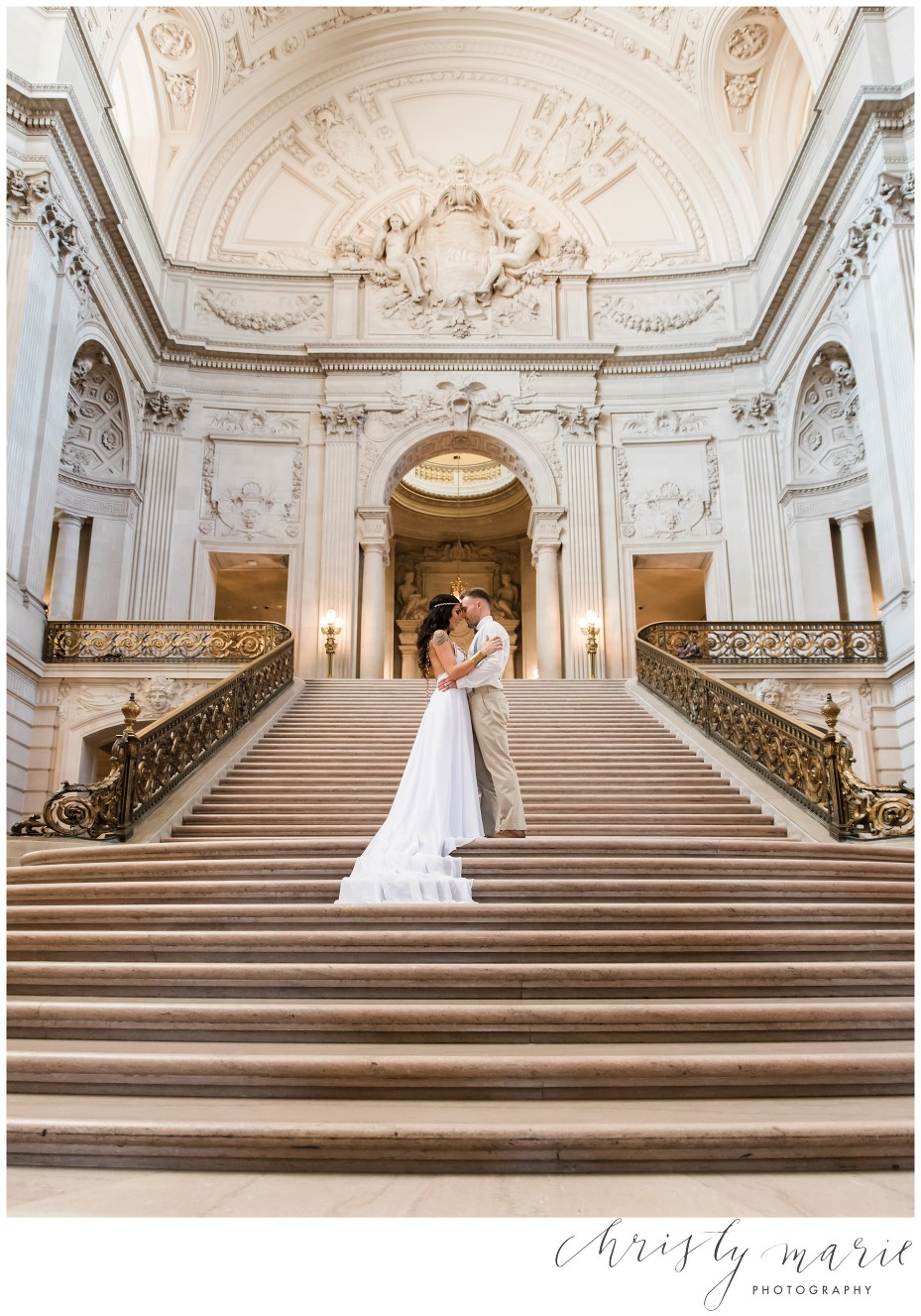 http://christymariephotography.net/wp-content/uploads/2016/08/11-561-post/San-francisco-city-hall-photographer_0013.jpg